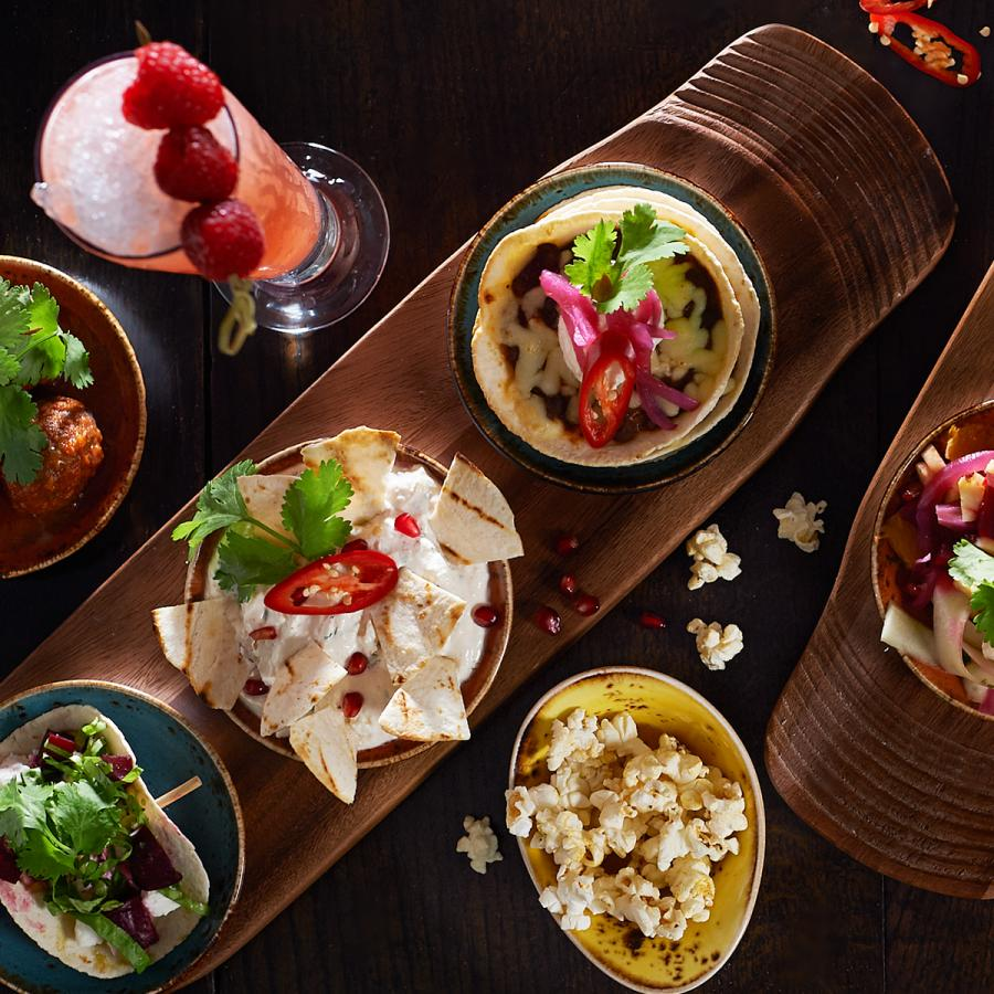 Chiquito white rose shopping centre - Cuisine rose pale ...