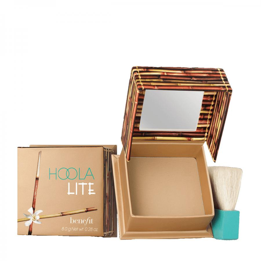 Benefit Hoola Lite facial bronzer, £24.50, Boots, Debenhams and John Lewis